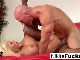 Krievi mammīte nikita takes a liels loceklis pirms eating viņa