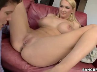 Dobrý titted staré blake rose likes zadok swallowing