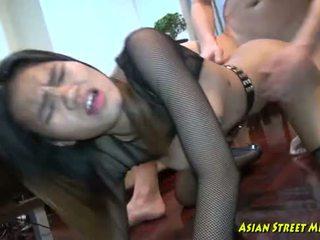 Syvän thaimaalainen throat convulsions