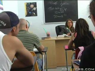 ブルネット, ユニフォーム, 教室