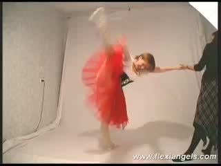 Fiatal balerina katja