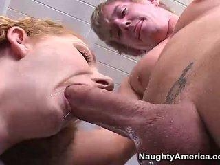 Duży knocker starsze annie ciało has fucked w brązowy oko