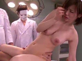 Mori nanako being geneukt in de ward laat bij ht