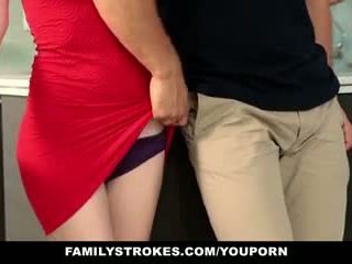 Familystrokes - krok sister sucks i fucks brat podczas thanksgiving dinner