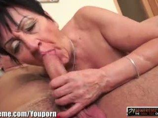 kissing, pussy licking, gilf