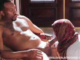 Nadia ali مارس الجنس بواسطة ضخم أسود schlong