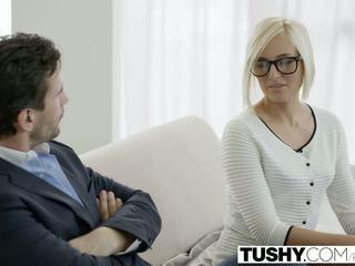 Tushy हॉट सेक्रेटरी kate england gets एनल से ग्राहक