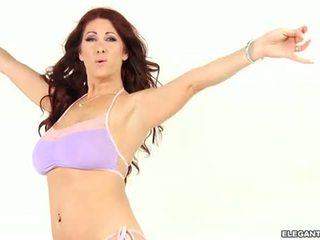 Tiffany mynx s impressionante culo driven desperately arrapato