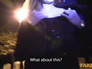 Fake agent anaal seks met een vampier in graveyard