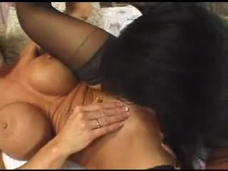 Deauxma squirt mature