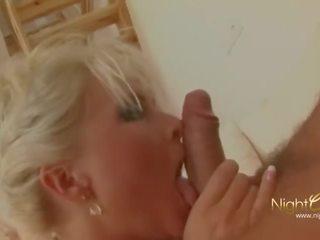 Aua, das erste mal anaal, blondine milf