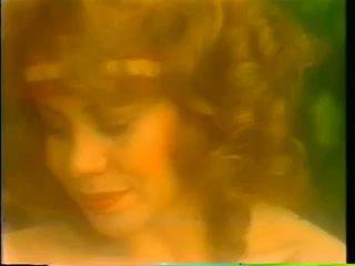 Eroticise với kitten natividad 1983