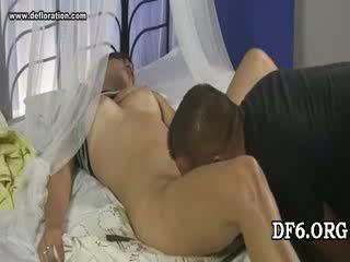 Virgin tries тя 1st dong