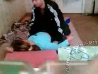 Arab pora dulkinimasis apie the grindys privatu seksas video