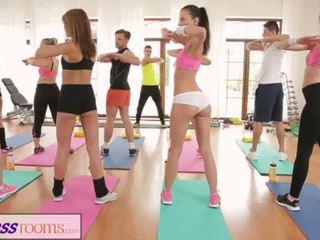 Fitnessrooms barbara bieber has un sexual entrenamiento después gimnasio clase <span class=duration>- 14 min</span>