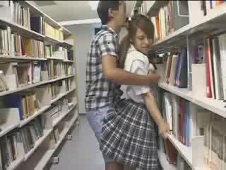 Γκόμενα γκόμενα used σε ο σχολείο βιβλιοθήκη