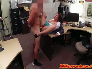 Bigtit Pawn Amateur Gets A Sticky Facial