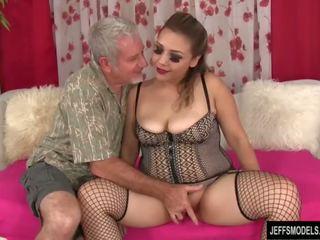 Sexy mũm mĩm cô gái gets fucked lược và cum trong miệng