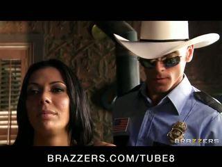 ฮาร์ดคอร์ ผมสีบรูเนท ผู้หญิงสวย rachel starr เป็น frisked ระยำ โดย a ตำรวจ
