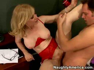 Nina hartley acquires उसकी cookie filled साथ juvenile कंट