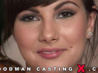 Bunette nyt anal casting