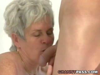 jauns, vecmāmiņa, milzīgs gailis