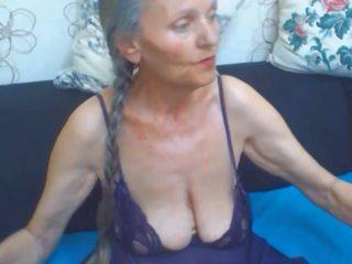 büyük göğüsler, büyükanne, büyük izmaritleri