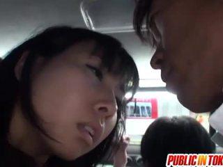 Japonesa cona stimulated em o autocarro