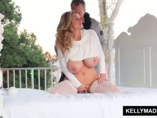 Kelly madison sundown stroking επί ο patio <span class=duration>- 11 min</span>