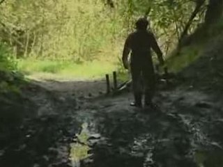 Asiática gaja rape em floresta vídeo