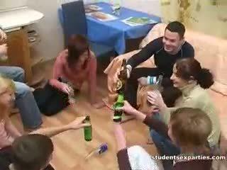 Dronken seks party altijd leads naar vies orgie