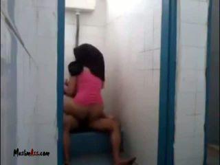 Hijab jilbab เพศ ใน ห้องน้ำ