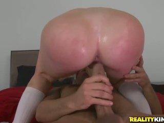 钻井少女阴户, 青少年色情影片