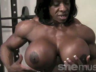 Melnādainas female muscle