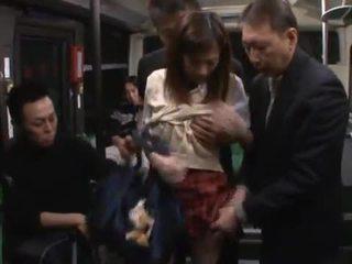 Kaori maeda has hotly vyrobený láska podle a málo males v a veřejné autobus