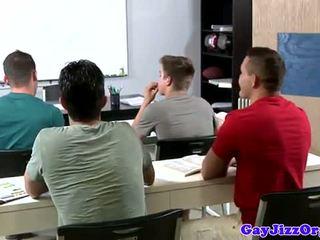 Sædsprut loving lærer dominated i klasse