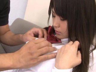 Meztelen ázsiai diáklány van pöcs sucked ki