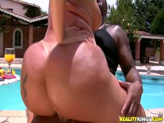 ruskeaverikkö, hardcore sex, saalis