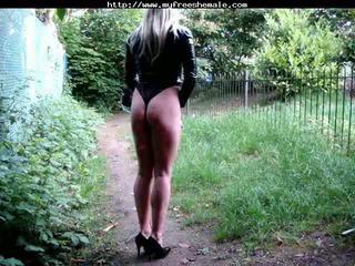 Suzi foxx outdoors