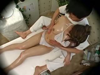 Spycam moda model seduced s masseur 1