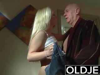 Καυλωμένος/η πρωί σεξ γριά νέος πορνό φιλενάδα gets πατήσαμε