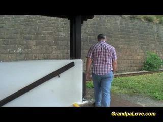 যৌনসঙ্গম, হার্ডকোর সেক্স, ভগ তুরপুন