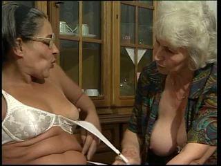 חדירה כפולה, סבתא 'לה, דילדואים