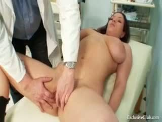 Andrea visiting her gyno doktor for real amjagaz