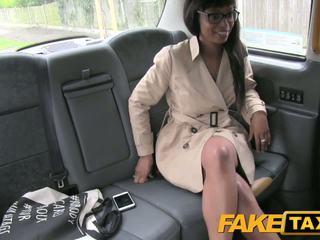 Fake taxi kõrge kontsad ja suhuvõtmine lips
