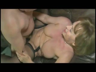 Niemiecka babcia: tasuta milf porno video 20