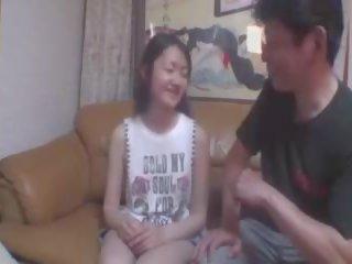 Aziatisch meisje enjoys anaal neuken, gratis aziatisch meisje anaal porno video-