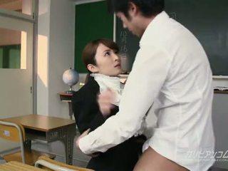 Beauty معلم مارس الجنس شاق بواسطة students