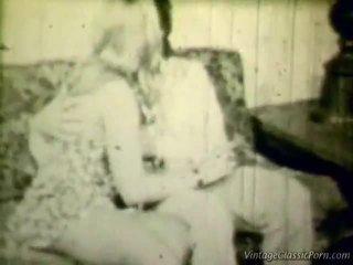 Breasty blondynka retro shag