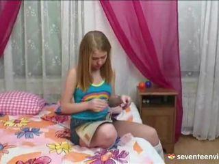 Masturbasi onto her divan